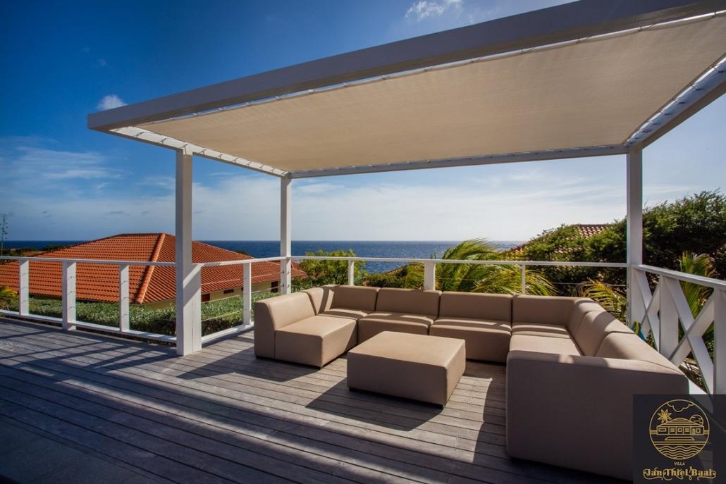 Vakantievilla Curacao huren? Totaal zijn er 4 lounge locaties bij deze villa