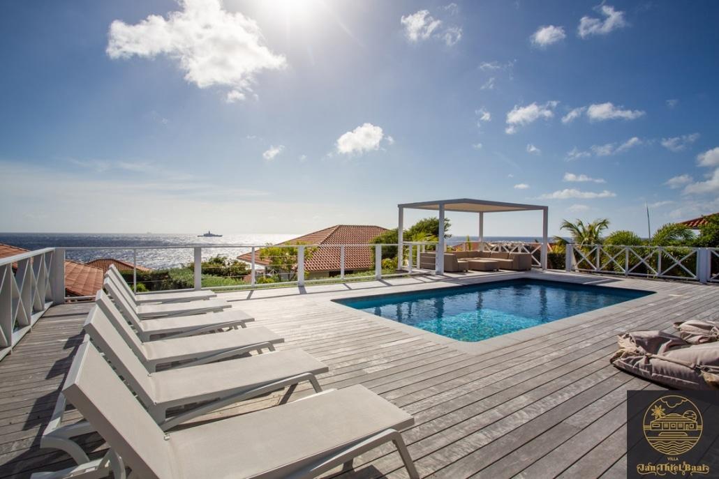 Vakantievilla Curacao huren? Wat een uitzicht. Het perfect recept voor heerlijke zon vakantie in Curacao